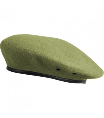 Beret with Seam and Insignia